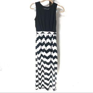 HEARTSOUL Black & White Chevron Maxi Dress